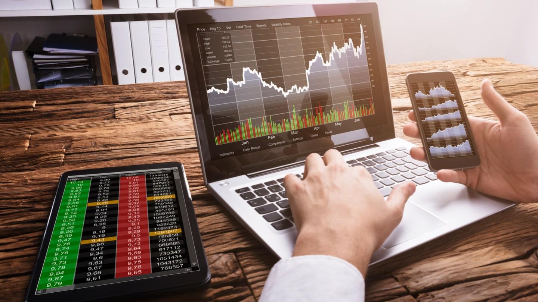 Benjamin Gimson explains types of Online Trading.